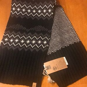 NWT Timberland Men's reversible scarf